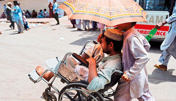 پشاور میں شدید گرمی اور حبس کی صورتحال