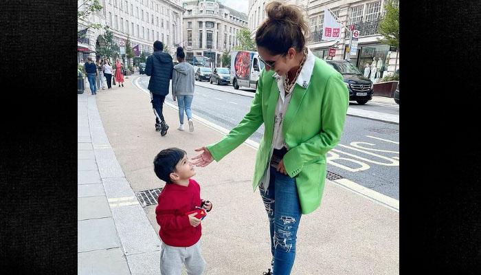ثانیہ مرزا اور بیٹے کی لندن سے تصویر وائرل