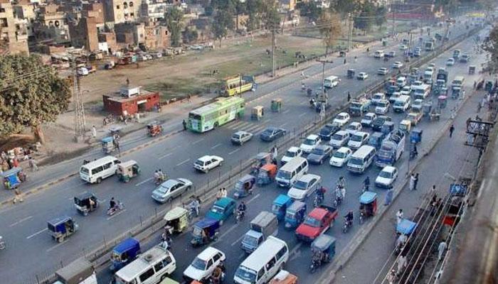 لاہور: ٹریفک کی روانی کیلئے تین منصوبوں پر کام جاری