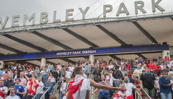 یورو کپ فائنل، ویمبلے اسٹیڈیم میں شدید بدنظمی