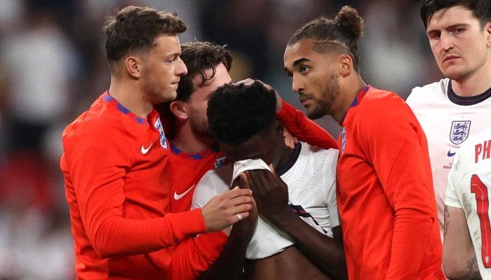 یورو فائنل، گول نہ کرنے والے سیاہ فام کھلاڑیوں کو بدسلوکی کا سامنا