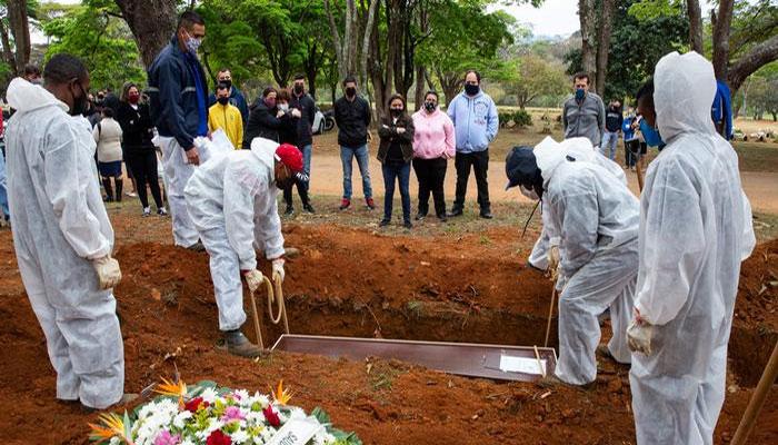 World: Corona virus deaths exceed 4 million 57 thousand