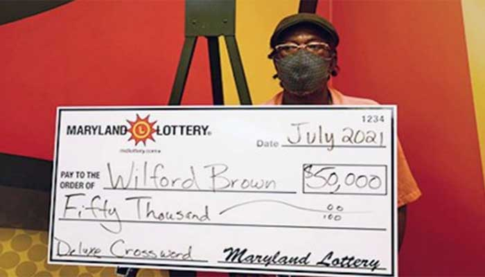 امریکی شخص 100 ڈالر کی انعامی رقم سے مزید 50 ہزار ڈالر کی لاٹری جیت گیا