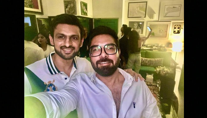 Photo of Yasir Hussain with Shoaib Malik goes viral