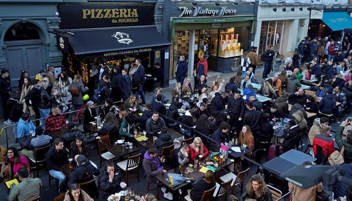لندن، کورونا لاک ڈاؤن کی بیشتر پابندیاں ختم