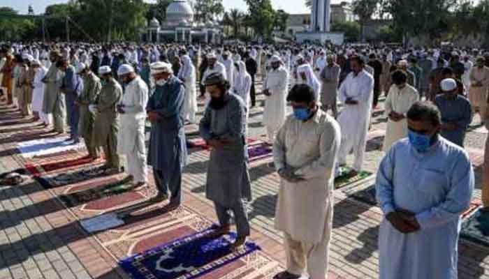 ایک جگہ مختلف اوقات میں نمازِ عید کے زیادہ اجتماعات منعقد کیئے جائیں: محکمہ داخلہ سندھ