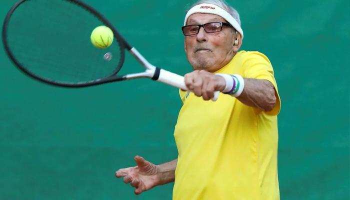 یوکرین کا 97 سالہ ٹینس کھلاڑی