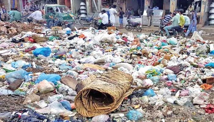 کراچی، لاہور سمیت کئی بڑے شہروں میں سڑکوں پر آلائشوں کے ڈھیر