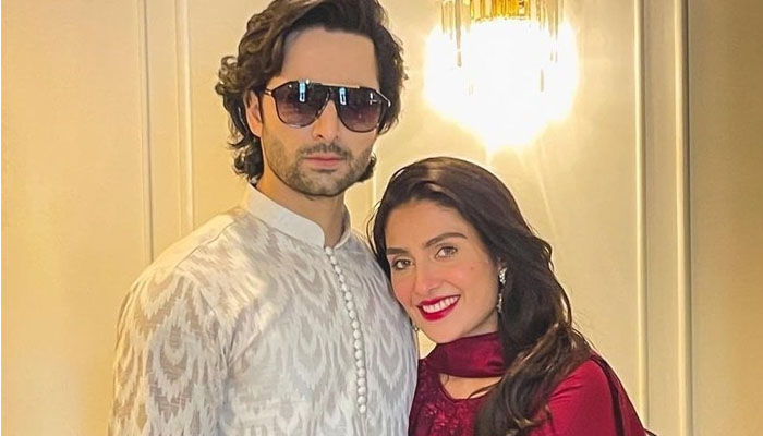 عائزہ خان خود کو نئی نویلی دلہن سمجھنے لگیں
