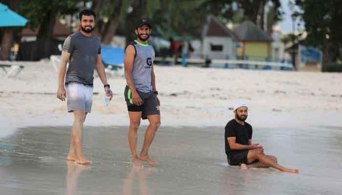 قومی کرکٹرز نے بارباڈوس کے ساحل پر وقت گزارا