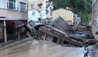 ترکی میں سیلابی ریلے سے مکان سیکنڈوں میں بہہ گیا، ویڈیو وائرل