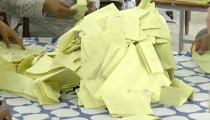ایل اے 43: ن لیگی امیدوار کی ووٹوں کی دوبارہ گنتی کی درخواست