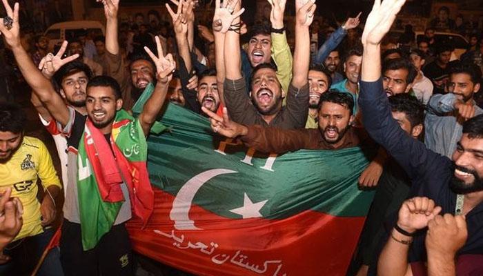 آزاد کشمیر انتخابات: ٹوئٹر پر PTI کے حامیوں کا جشن