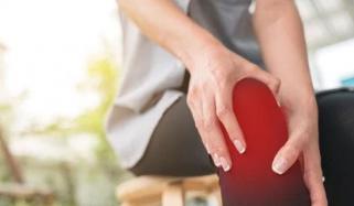 خواتین میں ہڈیوں کی کمزوری اور ذہنی صحت میں کیا تعلق ہے؟