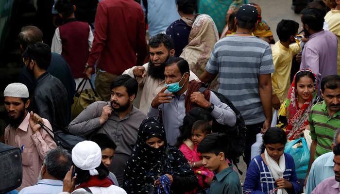ویکسین نہ لگوانے والوں کی بڑی تعداد چوتھی لہر سے متاثر ہو رہی ہے، ڈاکٹر سعید خان