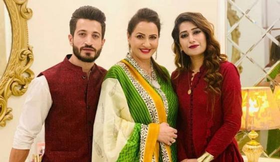 صبا فیصل کے بیٹے نے طلاق کی خبروں پر خاموشی توڑ دی