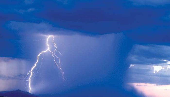اسلام آباد، بادل پھٹنے کے باعث مختلف علاقوں میں سیلاب آگیا ہے