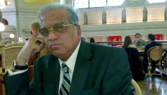 سینئر صحافی و سابق مشیر اطلاعات صلاح الدین حیدر انتقال کرگئے