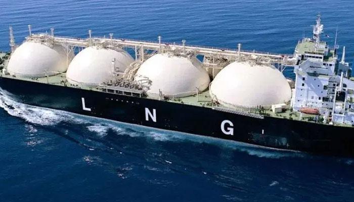 پاکستان نے تاریخ کی مہنگی ترین LNG خریدی، بلوم برگ