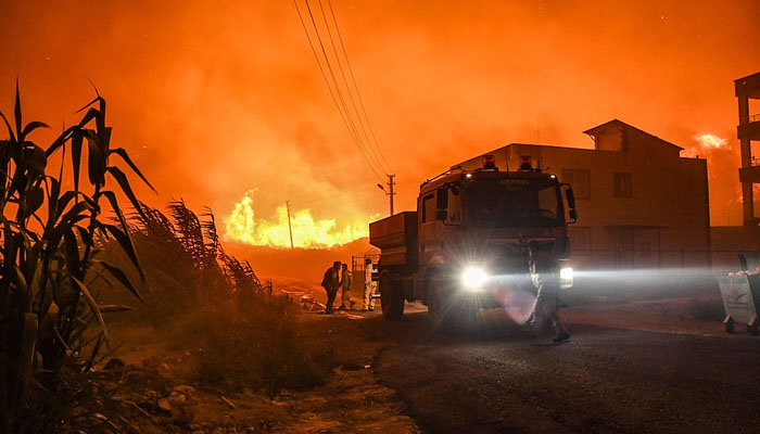 ترکی : جنگلات میں لگی آگ پر قابو پانے کی کوششیں جاری