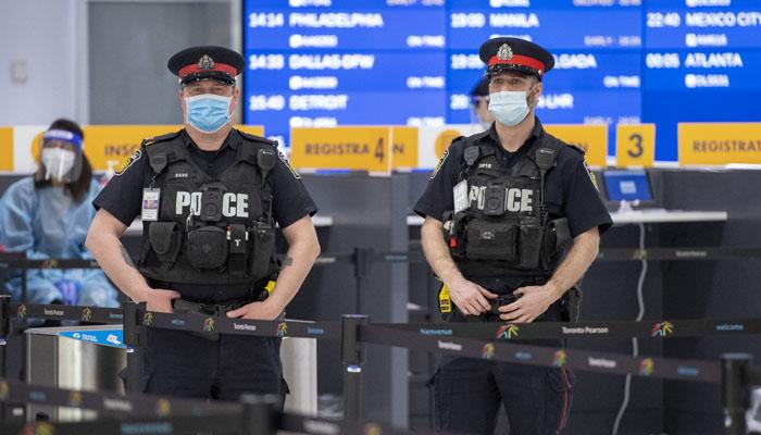 ٹورنٹو، کورونا کی جعلی دستاویزات دکھانے پر دو مسافروں پر بھاری جرمانہ