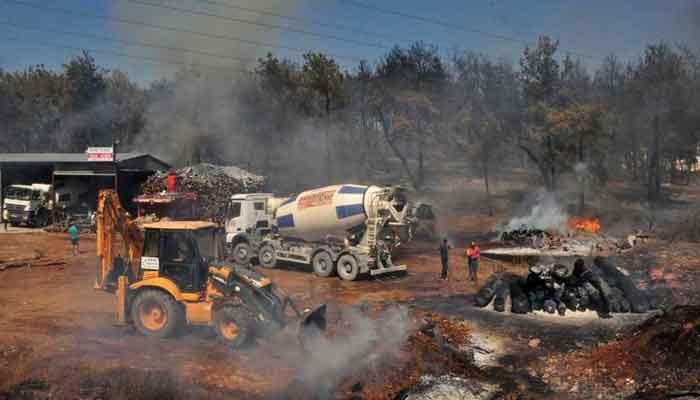 آگ پر قابو پانے کیلئے آذربائیجان کی ٹیم ترکی پہنچ گئی