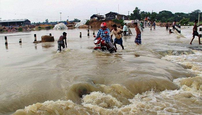 بھارت میں مون سون بارشوں نے تباہی مچادی، 230 سے زائد افراد ہلاک