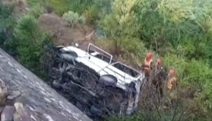 بدين: گاڑی کھائی میں جاگِری، 4 افراد جاں بحق