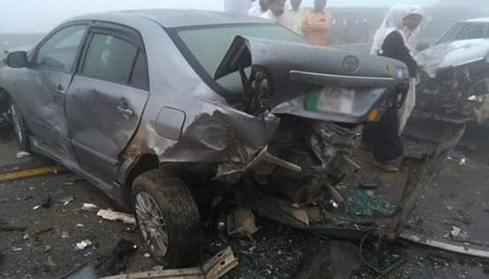 راولپنڈی، تیز رفتار واٹر ٹینکر کی گاڑیوں کو ٹکر