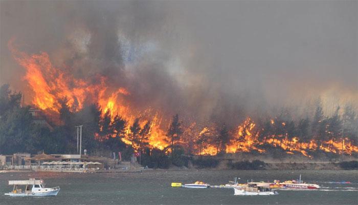 ترکی: آگ پر قابو پانے کی کوششیں جاری، مختلف حادثات میں 6 افراد ہلاک