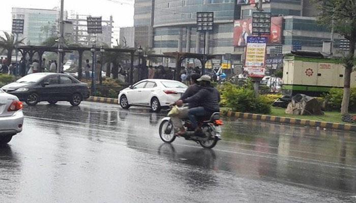 کراچی: بوندا باندی اور ہلکی بارش کا امکان