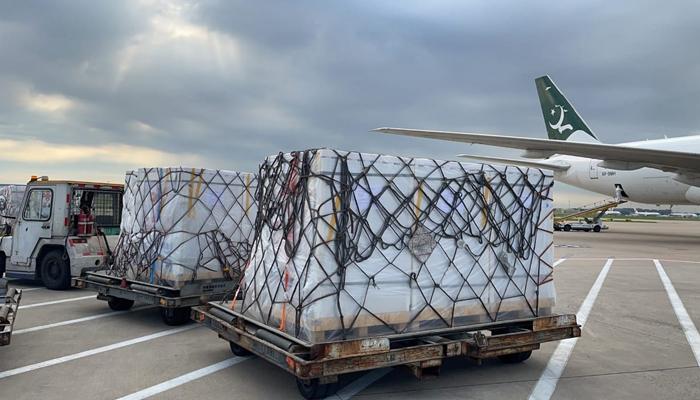 چین کا تحفہ، کوروناویکسین کی 20 لاکھ خوراکیں پاکستان پہنچ گئیں