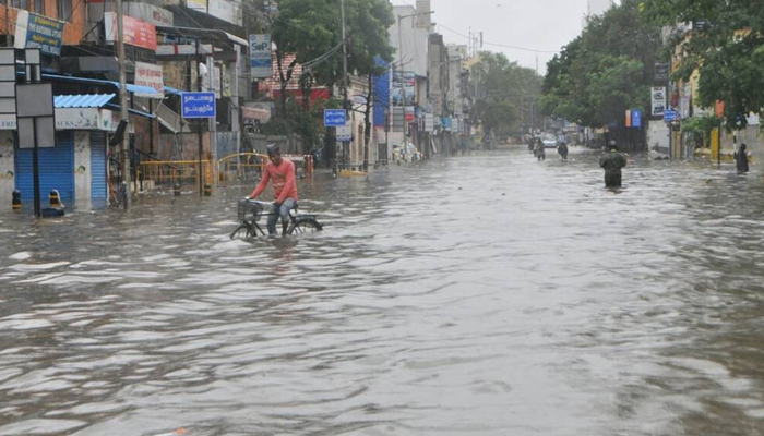ملتان، آندھی اور بارش کے سبب بجلی کی فراہمی معطل