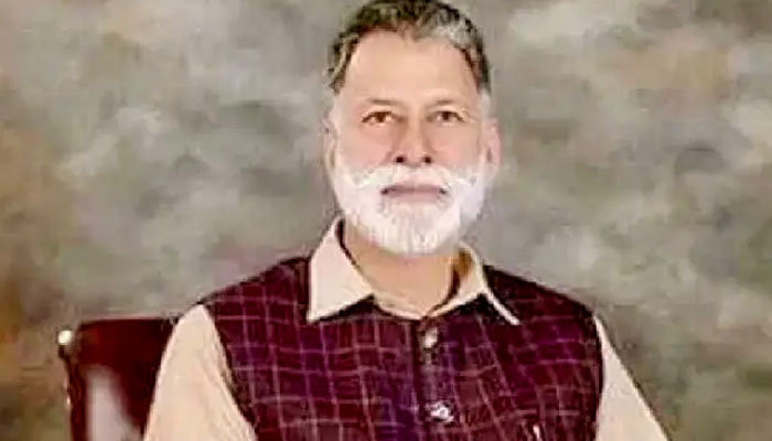 آزاد کشمیر کے نو منتخب وزیر اعظم کے بارے میں آپ کیا جانتے ہیں؟