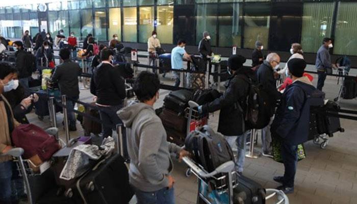 برطانیہ کا بھارت کو کورونا ریڈ لسٹ سے نکالنے کا اعلان