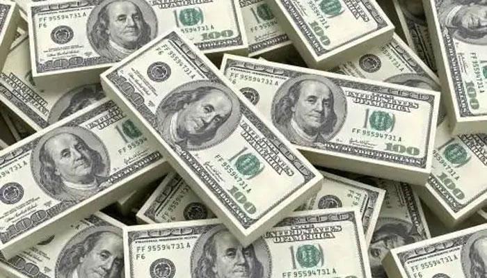 انٹربینک میں مسلسل دوسرے روز ڈالر کی قدر کمی کا رجحان
