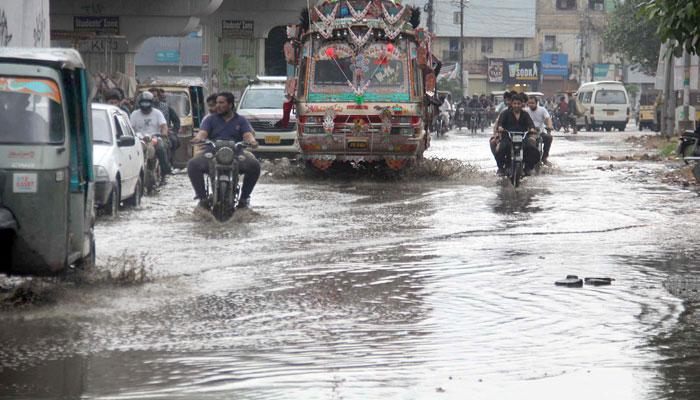 کراچی: بارش کا سلسلہ آج شام تک جاری رہنے کا امکان
