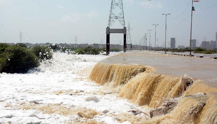 کراچی کی ملیر ندی میں پانی کے بہاؤ میں اضافہ