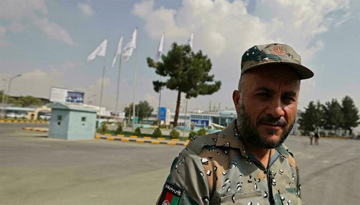 طالبان کمانڈر کی کال کے بعد افغان پولیس نے کابل ایئرپورٹ کی ذمہ داریاں سنبھال لیں