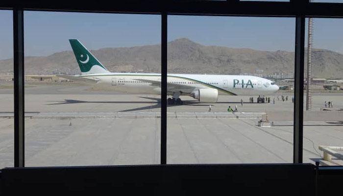 افغانستان میں طالبان حکومت کے دوران پی آئی اے کی اسلام آباد-کابل پہلی پرواز