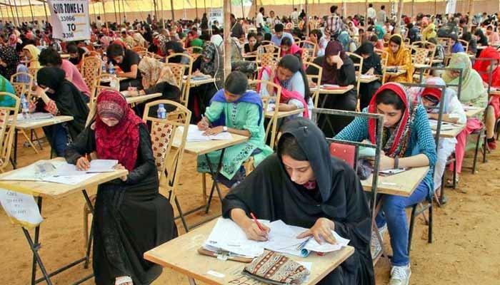 ٹیسٹ کے ذریعے 46 ہزار اساتذہ بھرتی کریں گے: محکمۂ تعلیم سندھ