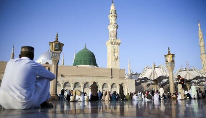 مسجد نبویؐ میں فرض نمازیں ادا کرنے کیلئے اجازت نامہ ضروری نہیں، سعودی وزارت حج