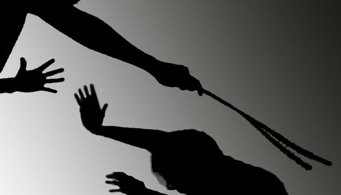 لاہور: شہید SI کی فیملی پر تشدد، 3 ملزمان کی شناخت