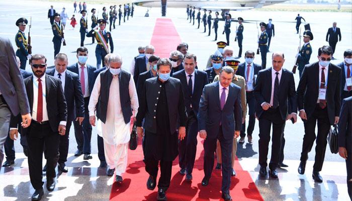 وزیر اعظم عمران خان 2 روزہ دورے پر تاجکستان پہنچ گئے