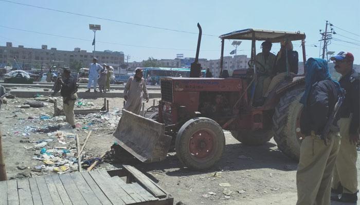 سہراب گوٹھ میں تجاوزات کے خلاف آپریشن، غیرقانونی بس اڈے ختم