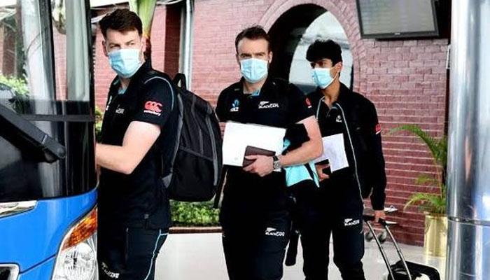 نیوزی لینڈ کی کرکٹ ٹیم وطن روانگی کیلئے اسلام آباد ایئرپورٹ پہنچ گئی