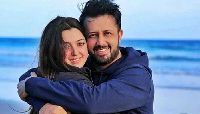 عاطف اسلم اور اہلیہ کی ویڈیو وائرل