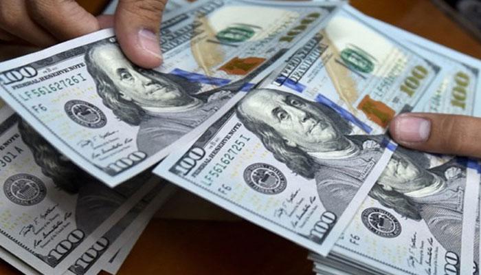 نئے کاروباری ہفتے کے پہلے روز ڈالر کی قدر میں اضافہ
