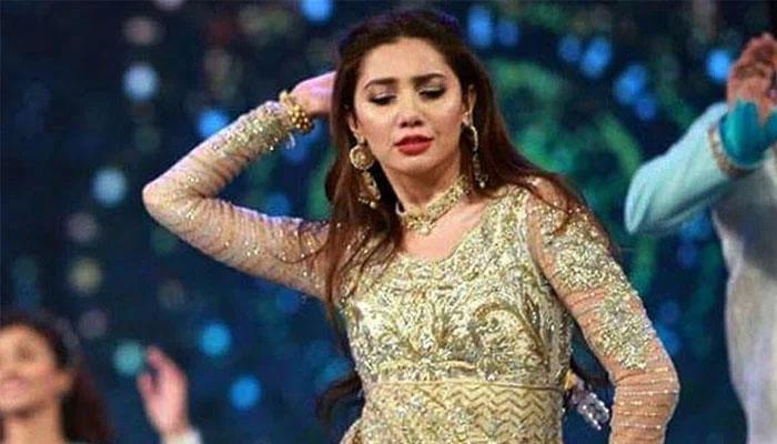 لکس اسٹائل ایوارڈز2021: ماہرہ خان کی پُرانی ڈانس پرفارمنس وائرل