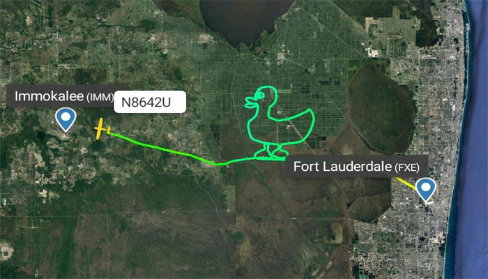 امریکی پائلٹ نے فضاء میں بطخ کا اسکیچ بنا دیا